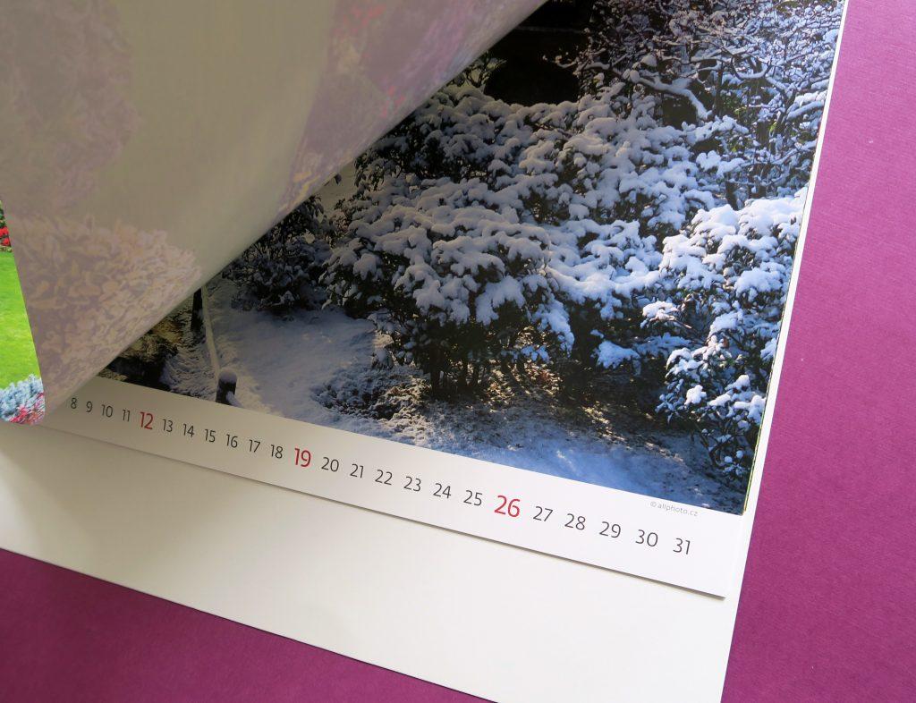 Настенный календарь Gardens (Сады). Крупный план