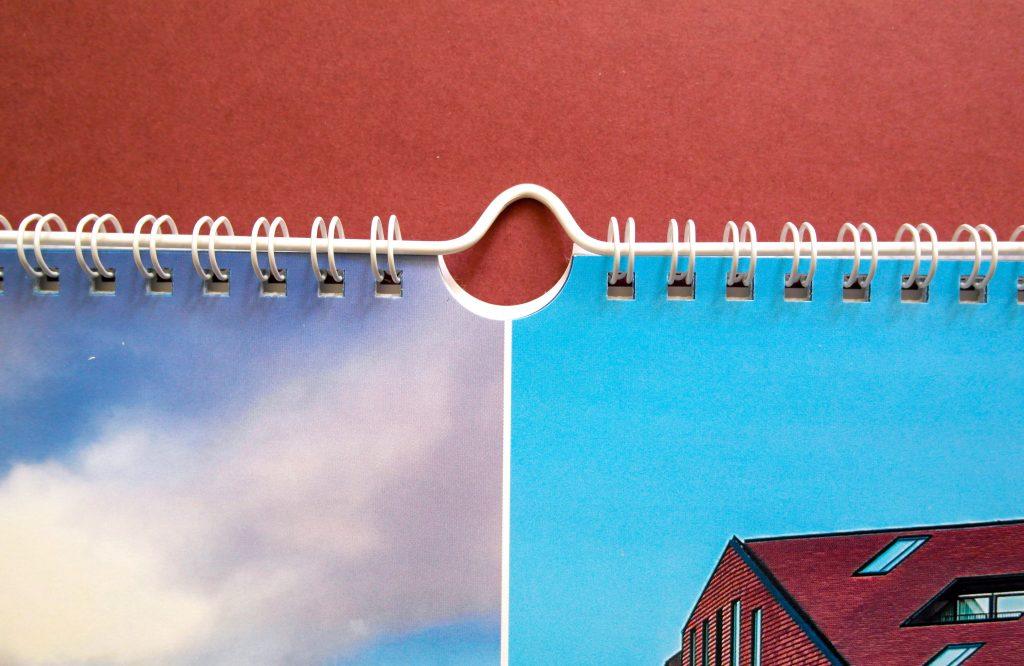 Настенный календарь Postcard from… (Открытки). Ригель, крупный план